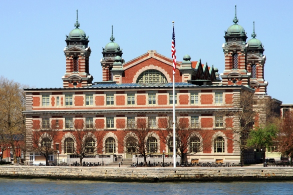 USA-NYC-Ellis_Island_crop